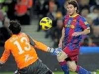 Дубль Месси принес победу «Барселоне»