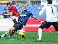 Рома забила четыре безответных гола в ворота Интера