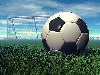 Аргентинские футболисты резво отбили клубный флаг у хулигана (ВИДЕО)
