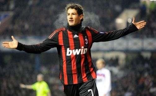 Экс-звезду «Милана» зовут в Ливерпуль