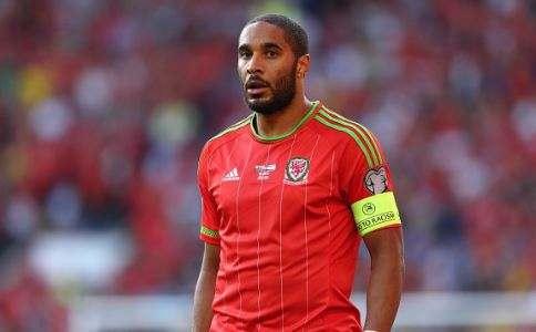 Фердинанд посоветовал «Арсеналу» и «Ливерпулю» подписать валлийца