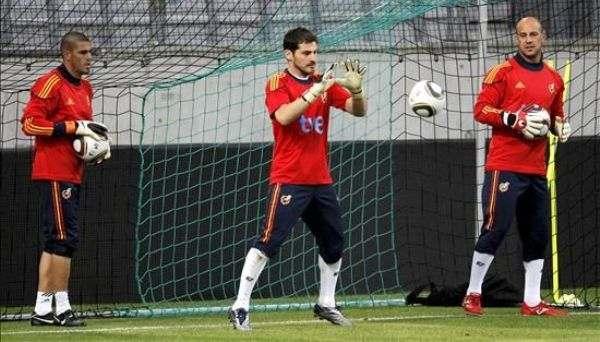 Касильяс: «На примере Вальдеса можно увидеть, каким неблагодарным может быть футбол»