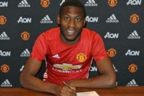 Манчестер Юнайтед продлил контракт с юным талантом