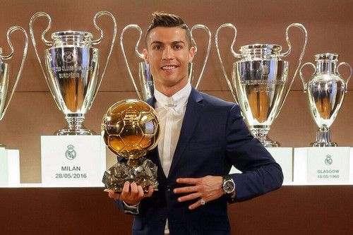 Криштиану Роналду— обладатель Золотого мяча