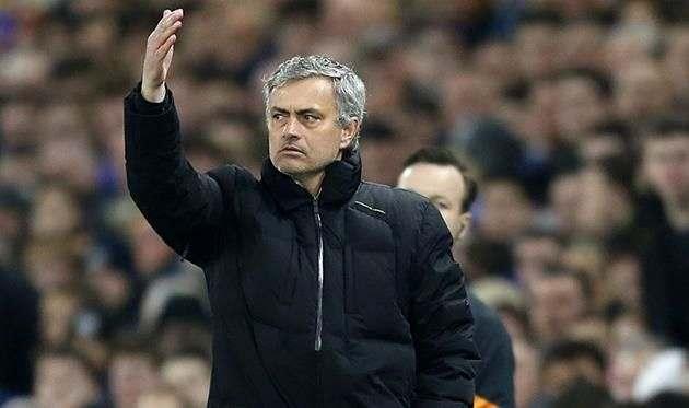 Манчестер Юнайтед раздумывает над продлением контракта Моуриньо