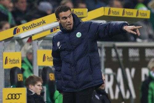 «Вольфсбург» передумал отправлять тренера в отставку