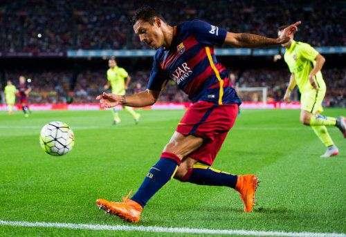 Защитник «Барселоны» пропустит матч с «Реалом»