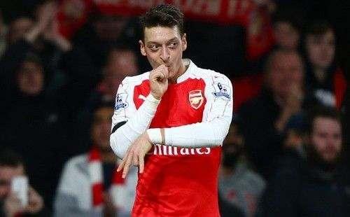 Озил вновь отказался обсуждать с Арсеналом новый контракт