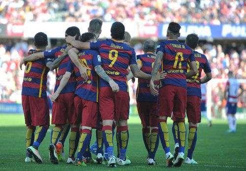 «Барселона» сравняет зарплаты двух форвардов