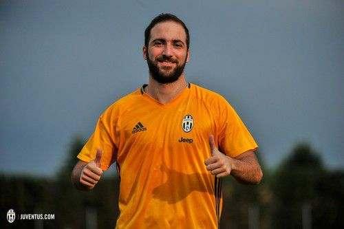 Маурицио САРРИ: «Надеялся, что Игуаин хотя бы позвонит мне»