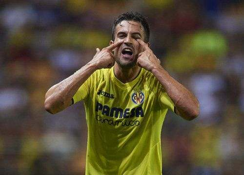 «Вильярреал» продлил контракты с двумя защитниками