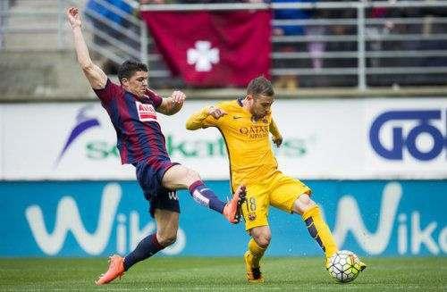 «Эйбар» не отпустил защитника в «Барселону»