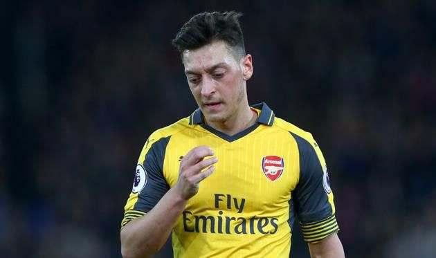 Озил отложил переговоры с Арсеналом о новом контракте