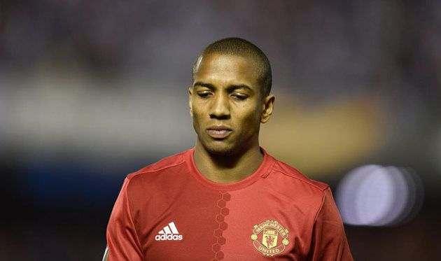 Еще двое игроков Манчестер Юнайтед вылетели до конца сезона