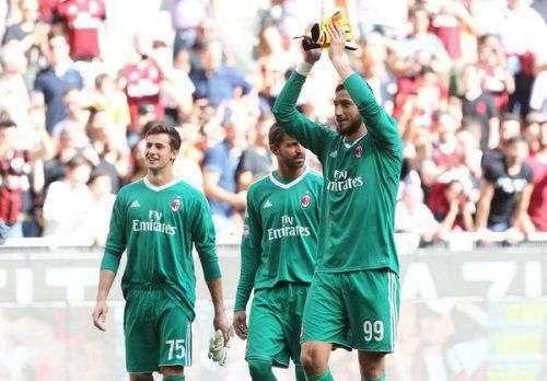 «МЮ» заплатит за голкипера «Милана» 75 миллионов евро