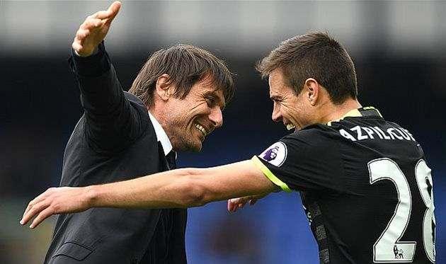 Челси может включить Аспиликуэту в сделку по Алексу Сандро