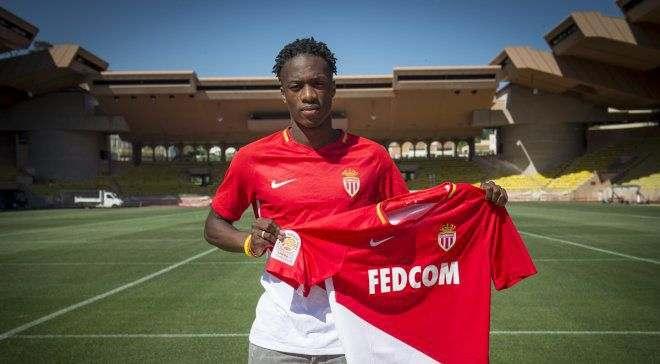 Конголо подписал контракт с Монако