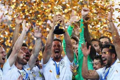 «Хоффенхайм» продлил контракт с форвардом сборной Германии