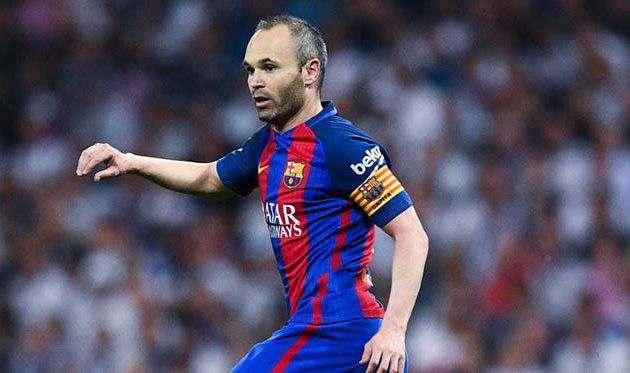 Иньеста покинет Барселону по окончании следующего сезона — СМИ