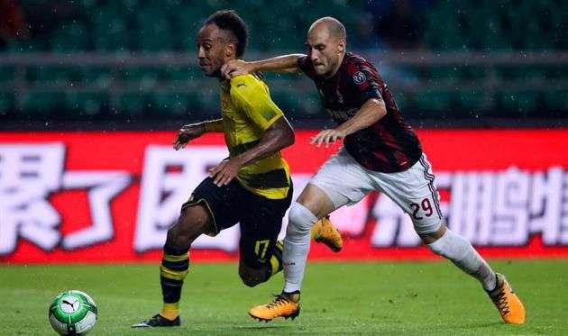 Защитник Милана согласовал контракт с Лацио