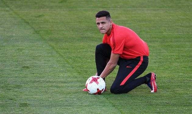 Арсенал требует у Ман Сити включить Агуэро в сделку по Санчесу