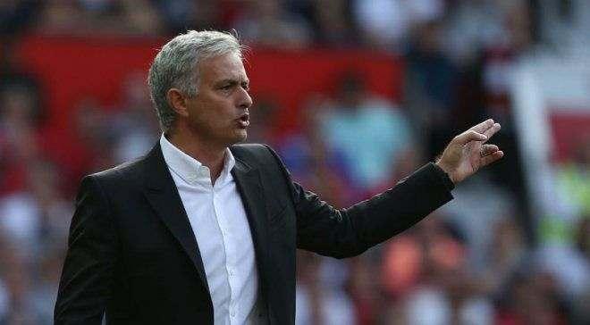 Манчестер Юнайтед начнет переговоры с Моуринью о продлении контракта