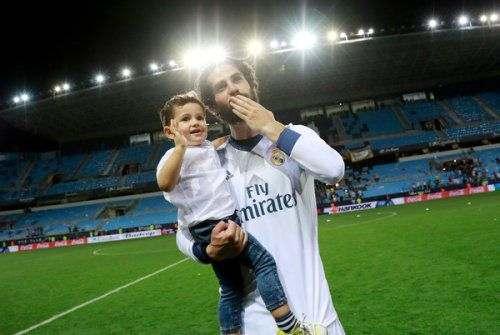 «Реал» продлил контракт с игроком сборной Испании