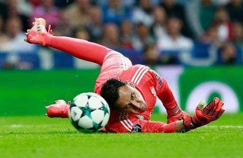 Вратарь «Реала» пропустит дерби с «Атлетико»