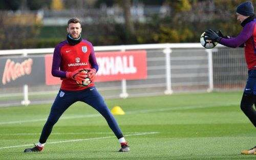 «Челси» хочет пригласить вратаря сборной Англии