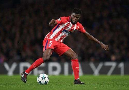 «Атлетико» продлил контракт с полузащитником