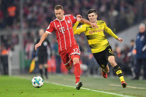 «Бавария» продлила контракт с защитником