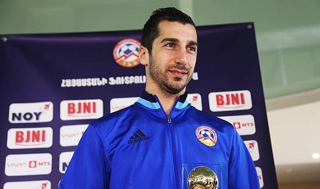 Мхитарян стал футболистом года в Армении седьмой раз подряд