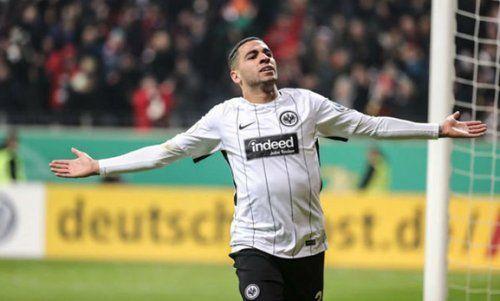 «Бавария» и «Реала» претендуют на защитника «Айнтрахта»