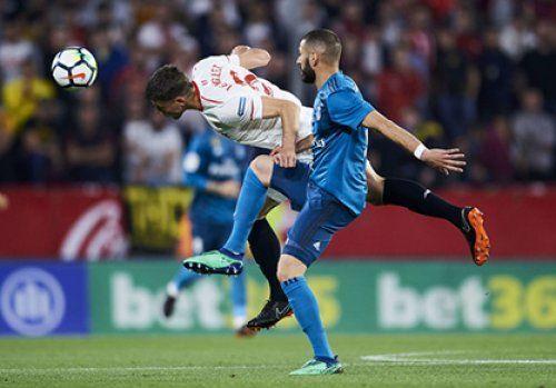 Защитник «Севильи» продолжит карьеру в «Барселоне»