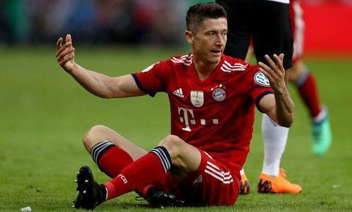 Бавария продаст Левандовского в Манчестер Юнайтед
