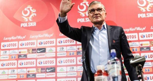 Навалка покинул пост главного тренера сборной Польши