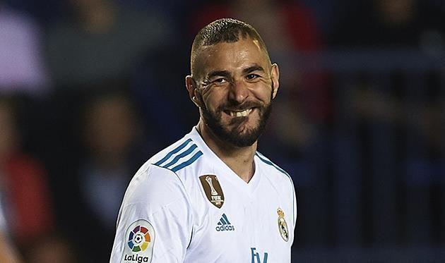 Бензема может покинуть Реал вслед за Роналду — AS