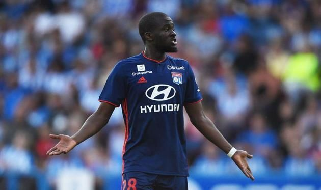 Манчестер Сити нашел замену Фернандиньо в Лионе