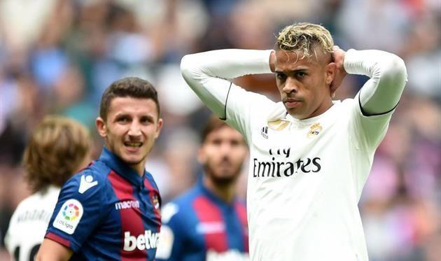 Наполи хочет заполучить сразу двух игроков Реала