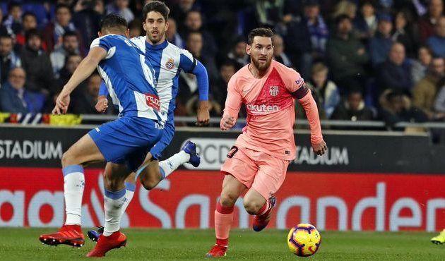 Барселона разгромила Эспаньол в Каталонском дерби