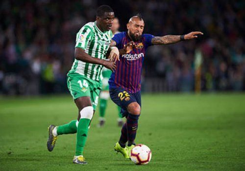 «Барселона» хочет удержать Видаля