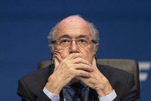 ФИФА требует пожизненного отстранения Блаттера
