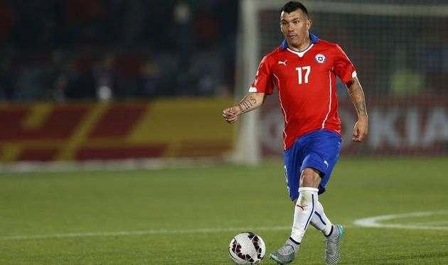 Медель может пропустить четыре матча сборной Чили