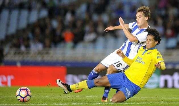 Барселона продолжает следить за Лемосом