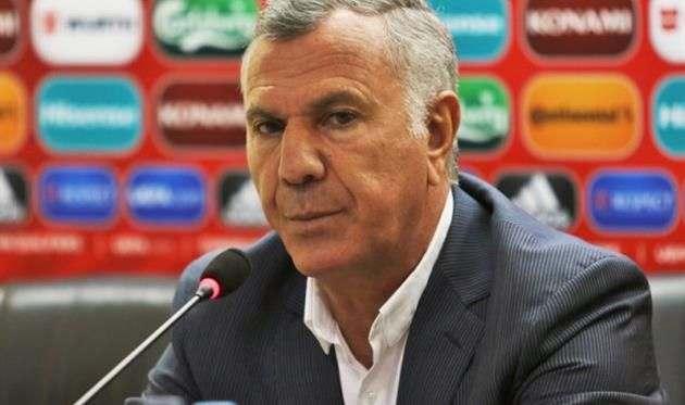 Армения осталась без тренера