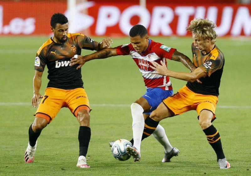 Гранада - Валенсия - 2: 2. Видео голов и обзор матча