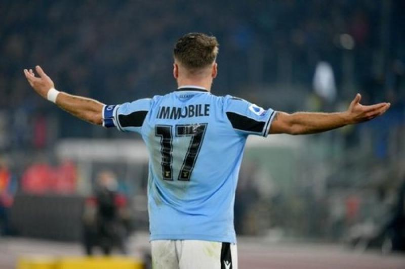 Иммобиле повторил рекорд Игуаина по голам за сезон в Серии А