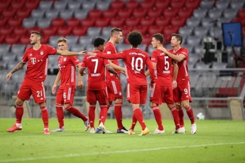 Бавария - Севилья - 2:1