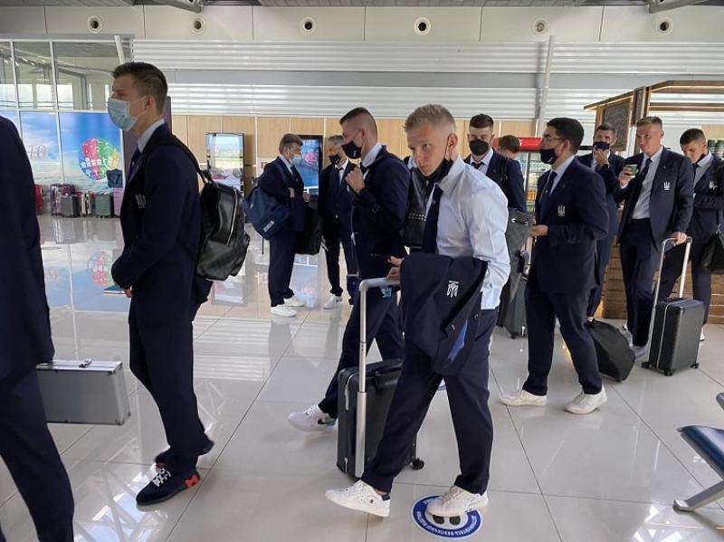 Сборная Украины отправилась в Бухарест