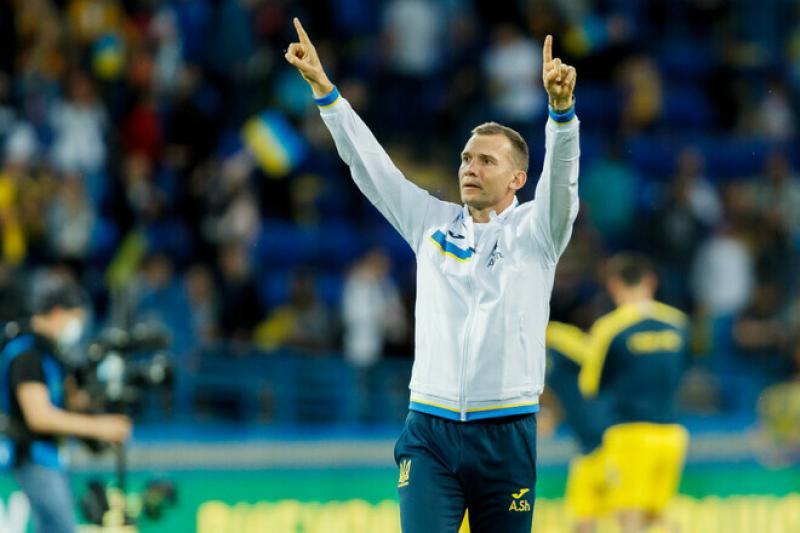 ШЕВЧЕНКО: Форма сборной Украины одобрена УЕФА. Какая может быть полемика?